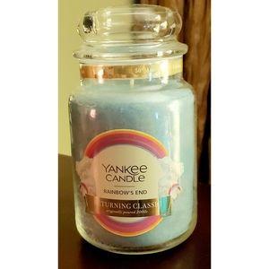 "🖤🖤🖤 Rare LD ""Rainbows End"" Yankee Candle"